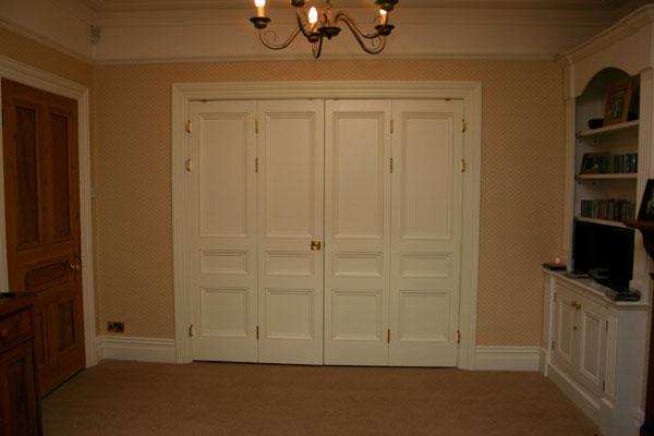 Full set of multi-panel Victorian style bi-folding doors